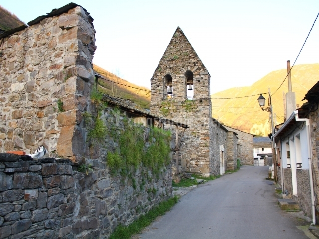 Iglesia de Salientes