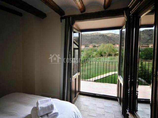 Apartamento chocolate la casa grande de albarrac n en albarracin teruel - Armario balcon ...