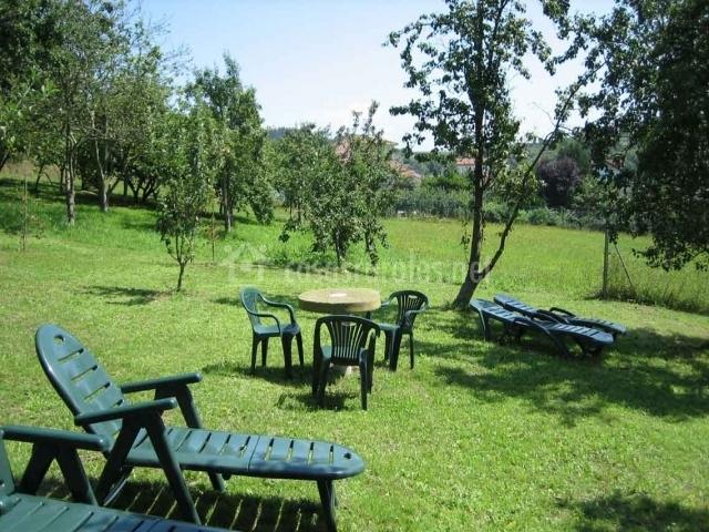 Casa la quintana en pillarno asturias for Casa mobiliario jardin
