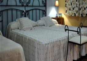Dormitorio con cama supletoria