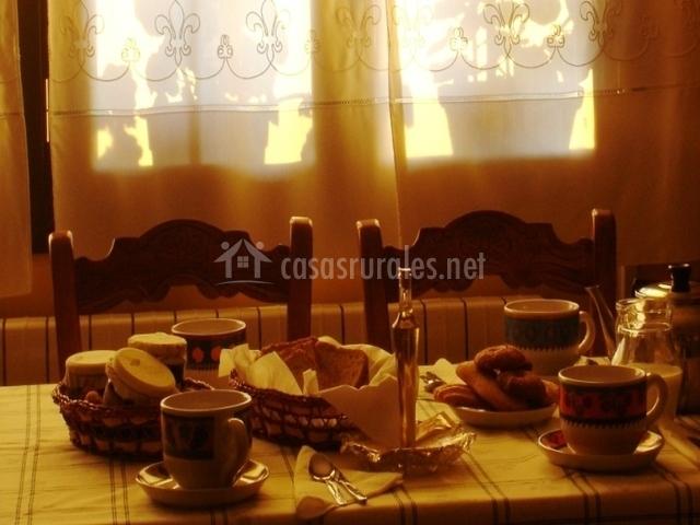 Se sirven ricos desayunos
