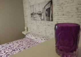 Dormitoirio con decoración en blanco