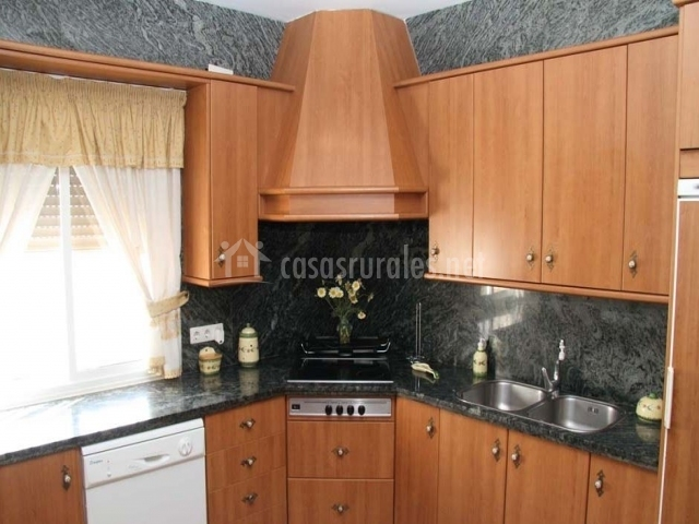 Casa fernandi en posadas c rdoba for Muebles de cocina completa
