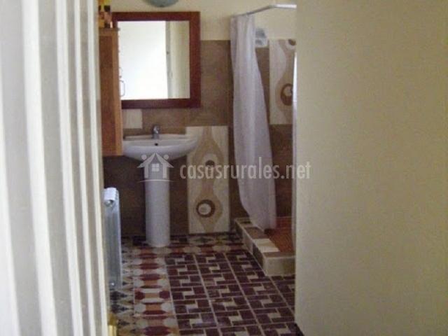 El molino de foz calanda en foz calanda teruel - Ver cuartos de bano con plato de ducha ...