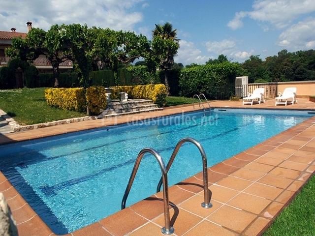 Can mas vila iii apartamentos rurales en fogars de for Casas con piscina barcelona