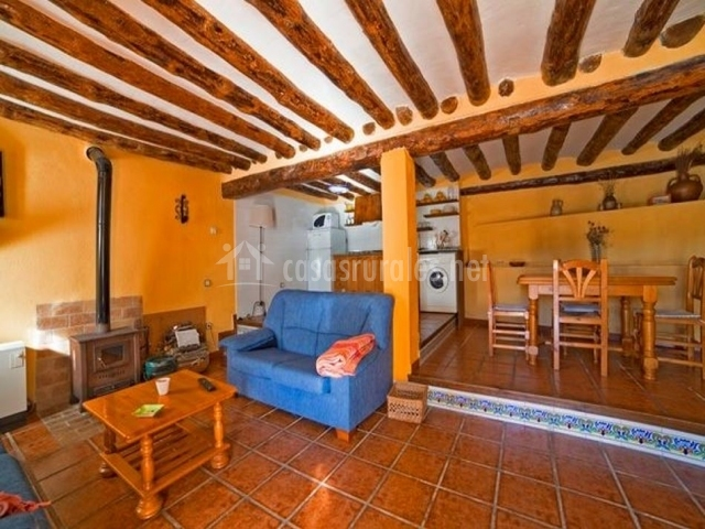 Casa rural mestra i en herbeset castell n - Chimeneas en castellon ...
