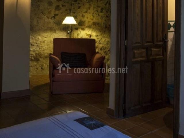 Masada andabe ii en cuevas de ca art teruel for Butacas habitacion matrimonio