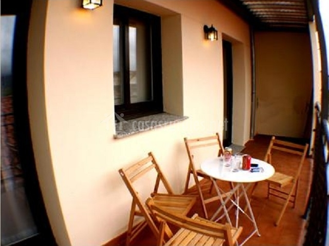 Apartamento el berrocal herv s y punto casas rurales en for Muebles hervas