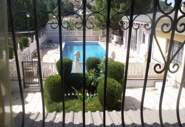Casas rurales con piscina en elda for Casas rurales alicante con piscina