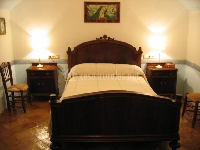 Casa de la tercia en bedmar ja n for Muebles de dormitorio antiguos