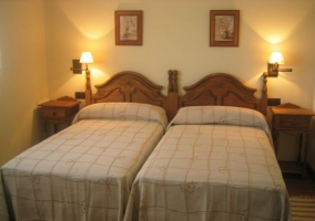 Dormitorio doble con camas individuales juntas