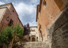 Escaleras de entrada a la Iglesia de San Miguel