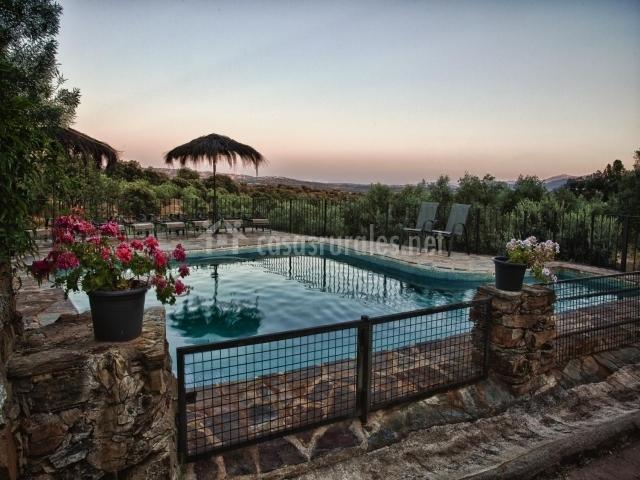 Las encinas casas rurales en san martin de trevejo c ceres for Casas rurales en caceres con piscina