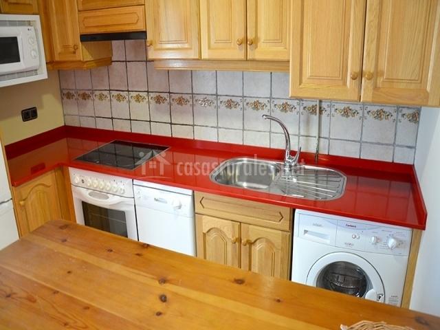 La ribera casa superior en escalona huesca for Muebles de cocina huesca