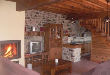 Casas rurales con chimenea en pe erudes for Casa rural con chimenea asturias