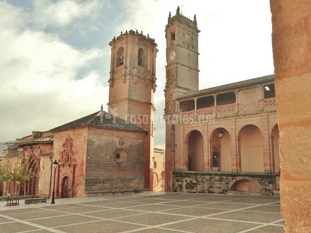 Vista de la Torre del Tardón y la Iglesia de la Trinidad