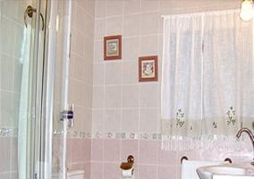 Baño completo con cabina hidromasaje