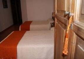 Detalle dormitorio naranja