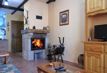 Casa Búho - Montenegro De Cameros, Soria