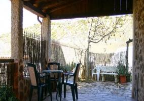 Muebles de jardín en porche exterior