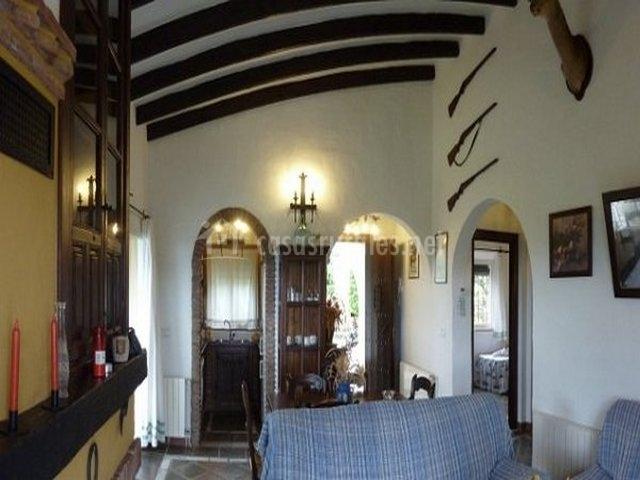 Villa superior el olivo el molino en alhaurin el grande m laga - Vigas de madera malaga ...