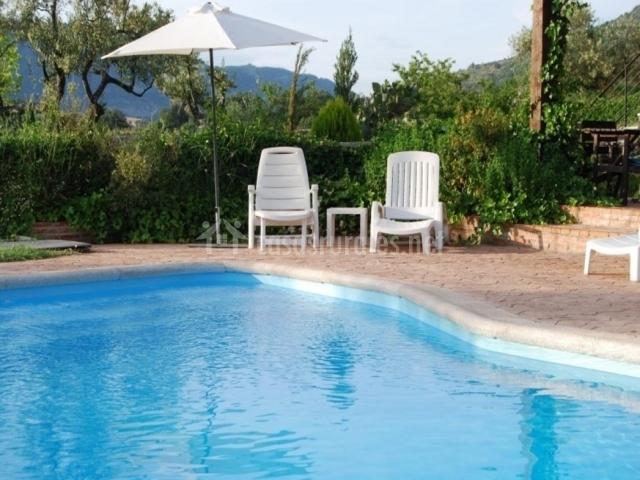 El manantial del fresno iii en hervas c ceres - Tumbonas piscina ...