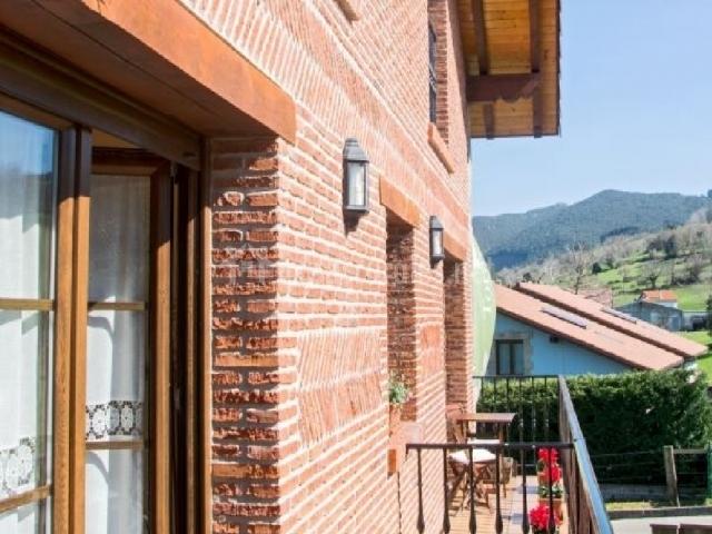 Casa el luceru en hoz de anero cantabria for Apartamentos toraya cantabria