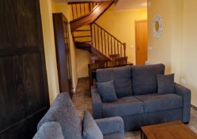Terraza con muebles de madera