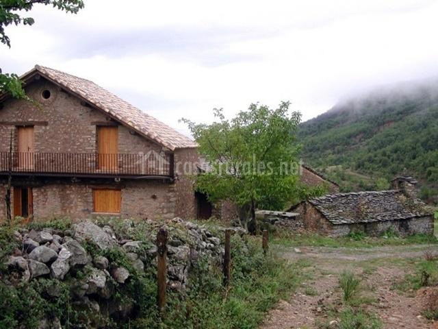 Molini s casa sabina casas rurales en la fueva huesca for Casa rural 5 habitaciones