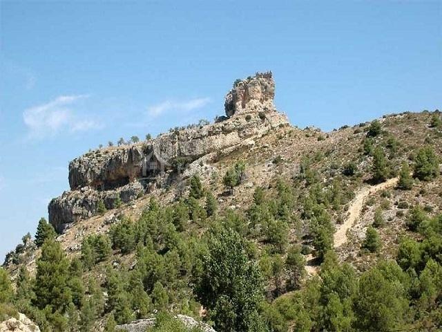 Casa del roble en moratalla murcia for Muebles castillo murcia
