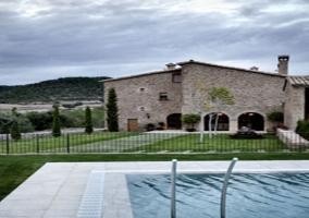 Cirera d 39 avall casas rurales en lladurs lleida - Casas rurales lleida piscina ...
