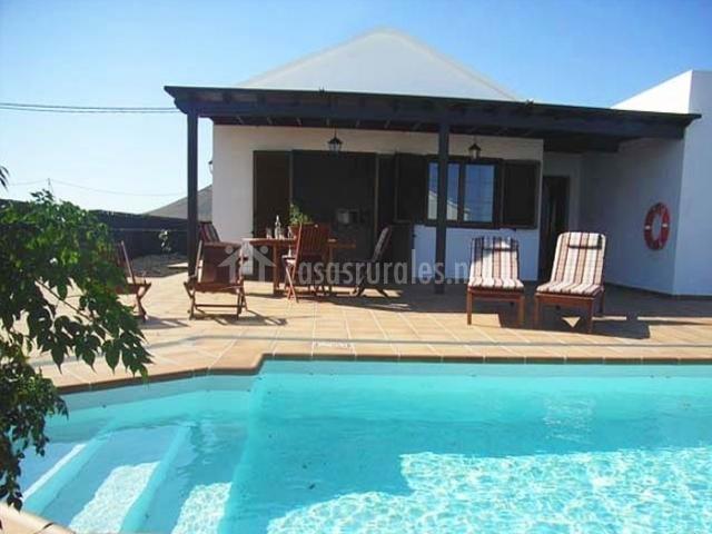 Casas tomare en el islote lanzarote - Casas rurales con piscina baratas ...