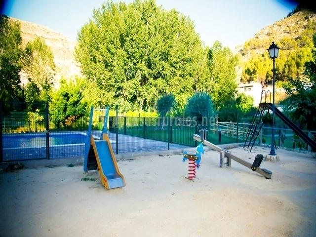 Casa rural los olivos 3 en alcala del jucar albacete - Parque infantil casa ...
