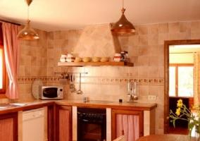 Mesa y cocina