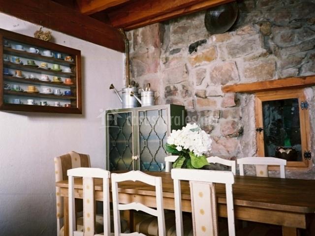 Mesa de comedor alargada