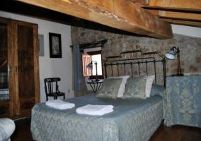 Dormitorio doble abuhardillado