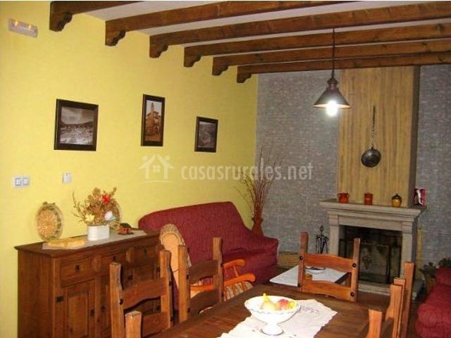 Los olivos en sotoserrano salamanca - Muebles de salon con chimenea ...