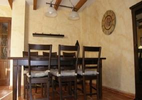 Mesa de comedor para 6 comensales