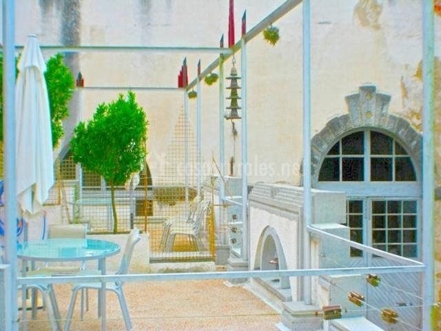 Apartamento voltio zentral club en belmonte asturias for Mobiliario exterior terraza
