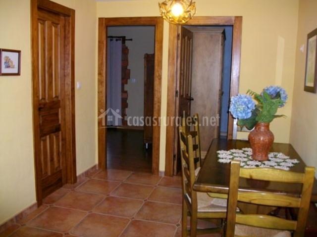 Mirador la casa de los galguera casas rurales en santiba ez cabezon de la sal cantabria - Casa rural madera y sal ...