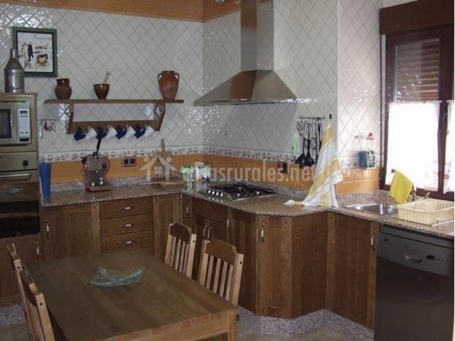 Cocina-comedor con lavavajillas