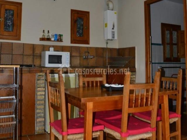 Casa mantecote hierbabuena en vejer de la frontera c diz for Mesa supletoria cocina