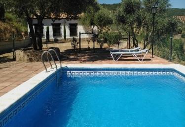 3 casas rurales con piscina en belmez for Casas rurales con piscina en alquiler