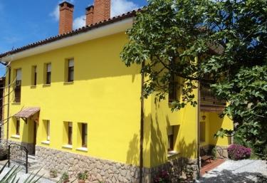 Apartamentos Pernús - Colunga, Asturias