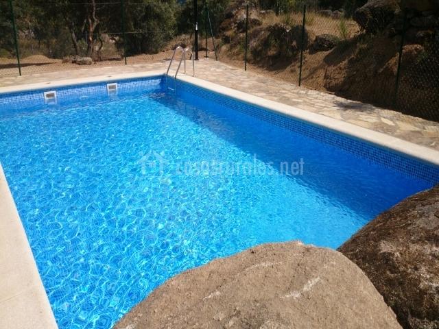 La peguera de gredos casas rurales en burgohondo vila - Red voley piscina ...