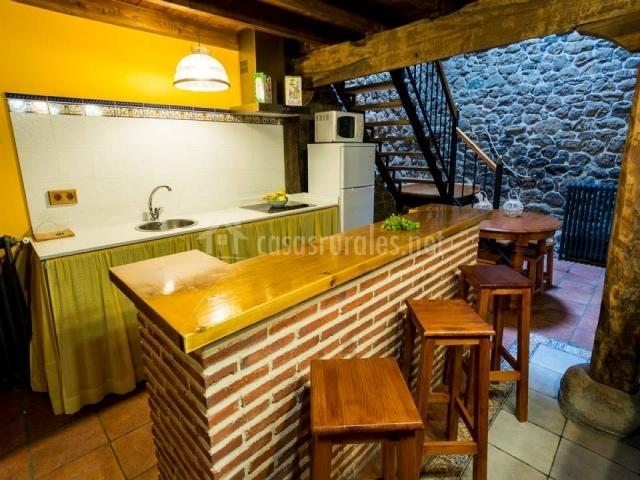 Casa altas crestas en puente pumar cantabria - Taburetes para cocina americana ...