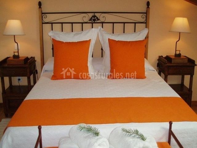 El arroyal casas rurales en rades de abajo segovia - Cojines cama matrimonio ...