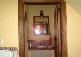 aseo desde el exterior con puerta de madera