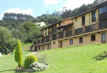 Apartamentos Rurales Los Novales - San Juan De La Arena, Asturias