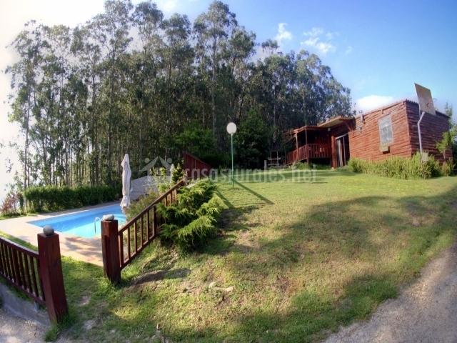 Casa cabana os troncos i apartamentos rurales en marin - Casa rural marin ...